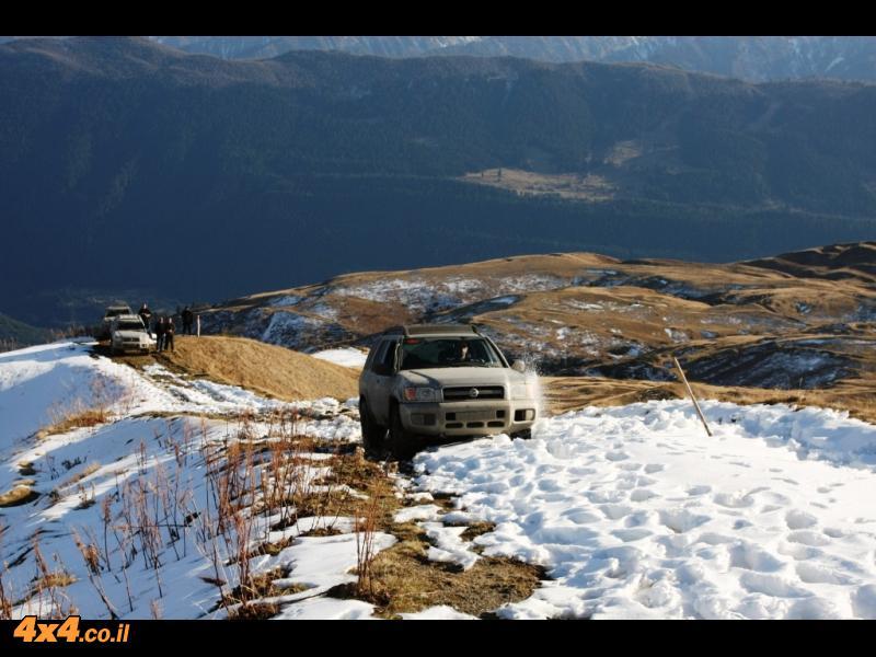 יומיים בלב של הקווקז הגבוה - מעברי הרים, שלג, מים ובוץ