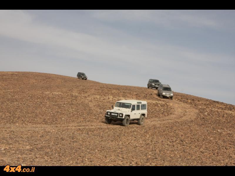 בדרך מהגבול הסעודי לקע געפר - נסיעת שבילים ב 120 קמ'ש
