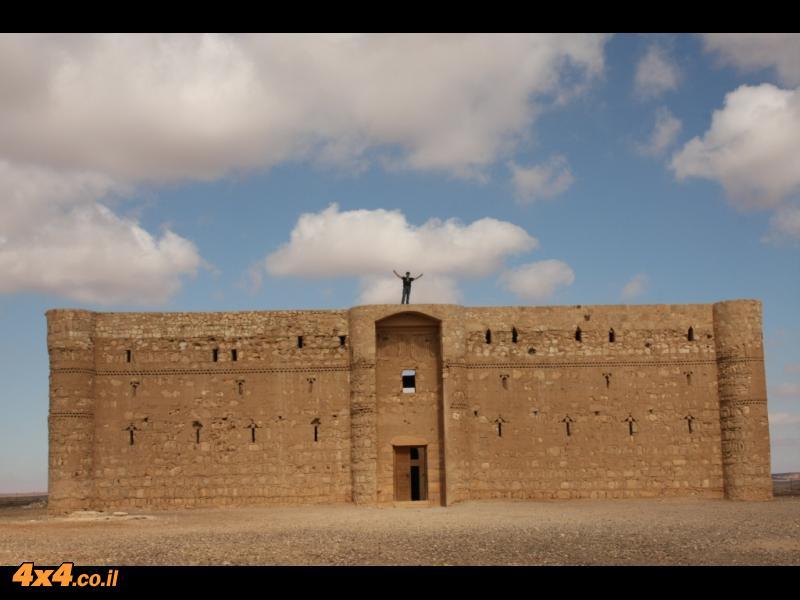 מצודות מתקופת בית אומיה - קסר עמרה וקסר חאראנה