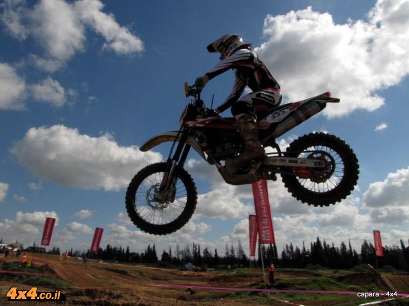 יוני לוי - מקום ראשון קטגוריית אופנועי אנדורו