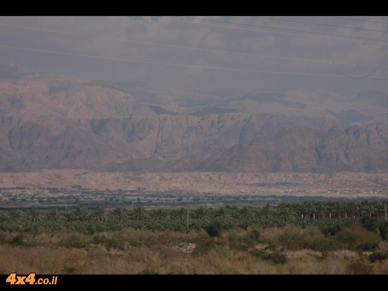 בעין תמר - בין הרי אדום למצוק של הרי סדום