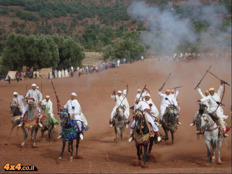מסיבה ברברית בלב הרי האטלס של מרוקו