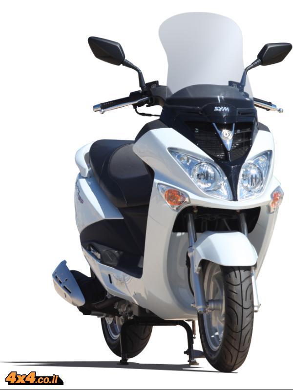 אופנועים: ביטוח חובה בחודש אפריל מתנה על חשבון מטרו