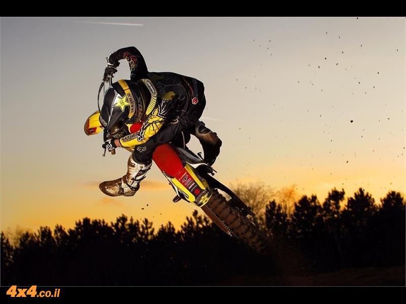 אופנועים - קבוצת עופר אבניר משיקה את דגמי המוטוקרוס מבית סוזוקי