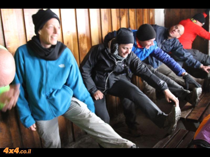 היום השלישי: מהורומבו לבקתת האבן העליונה - קיבו 4,700 מטרים