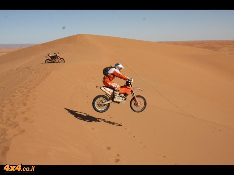 אופנועים: מרוקו - אופנועי KTM - חוצה הרי האטלס והדיונות של הסהרה - דצמבר 2012