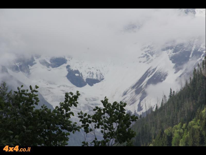 מהעמק לעבר שיא הגובה בקווקז