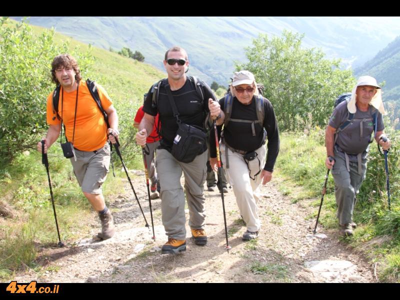 מתחילים ללכת... Up to Cheget peak
