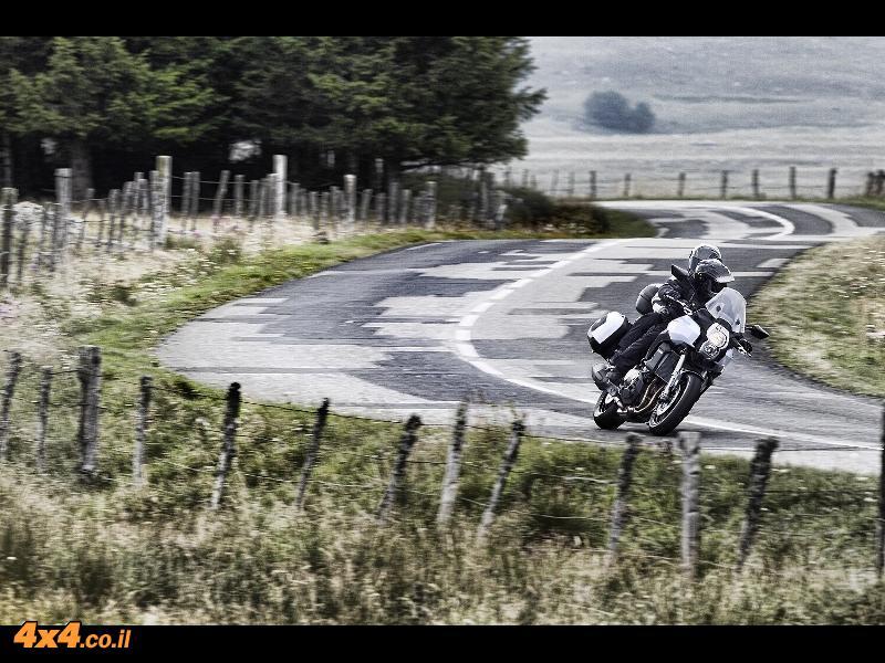 אופנועים: מחיר מבצע לאופנוע קוואסקי ורסיס 1000