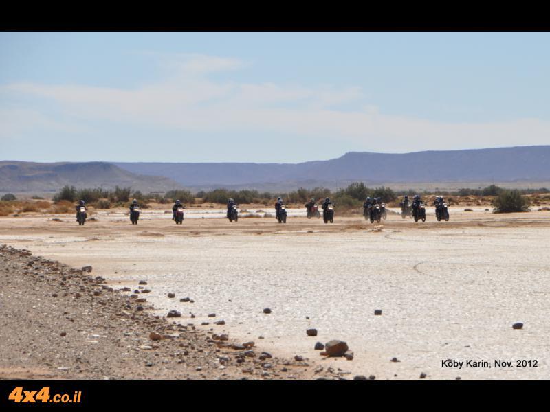 רוכבים במדבר