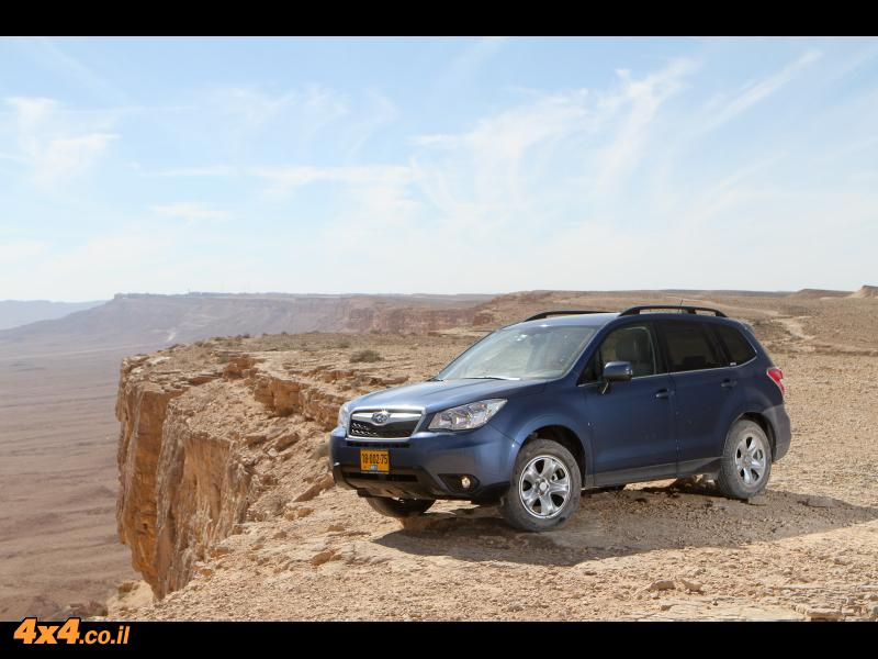 סובארו פורסטר חדש במדבר Subaru Forester 2013