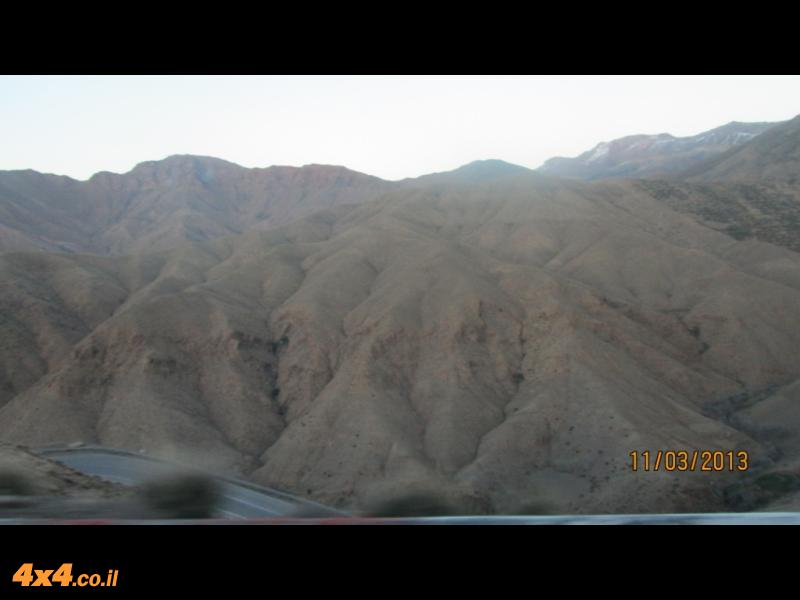 בדרך לשטח: חציית הרי האטלס באוטובוס