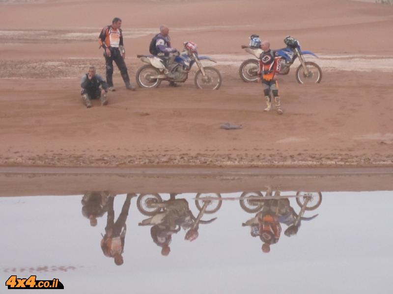 יום רביעי: מים במדבר