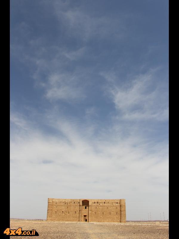 קצ'ר חארנה - חאן דרכים על דרך החאג'