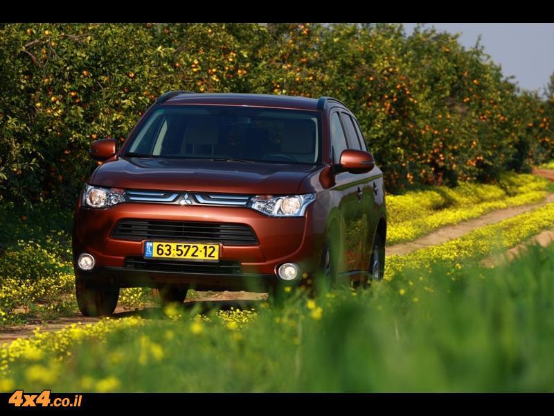 מבחן דרכים - מיצובישי אאוטלנדר - Mitsubishi Outlander