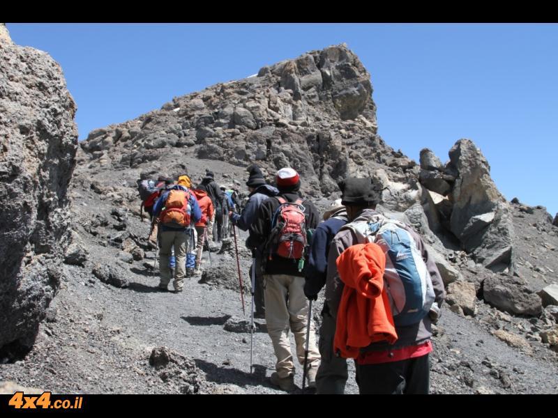 היום הרביעי - מהאוכף דרך סטלה עד הפסגה - אואורו - 5,895 מטרים