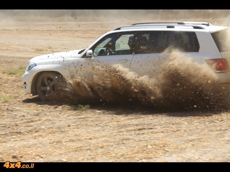 מרצדס SUV בשפלת יהודה