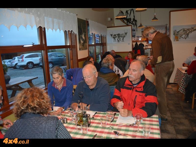 ולקינוח לובסטרים במסעדה כפרית