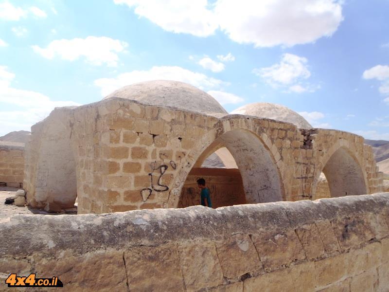 מגיעים לקבר נביא מוסא
