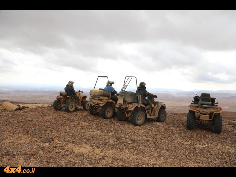 על רמת המדבר בגובה של 1,400 מטרים