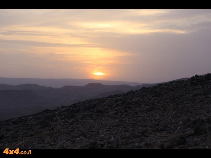 טיפוס לגובה של 1,300 מטרים ובהמשך שינה בחאן טורקי ישן