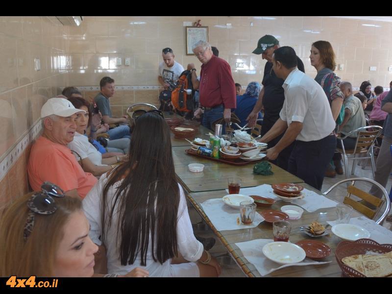 ארוחת בוקר - צהרים אצל מוהנדס