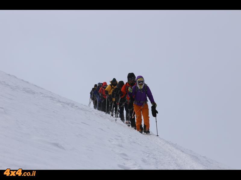 בדרך לפסגה