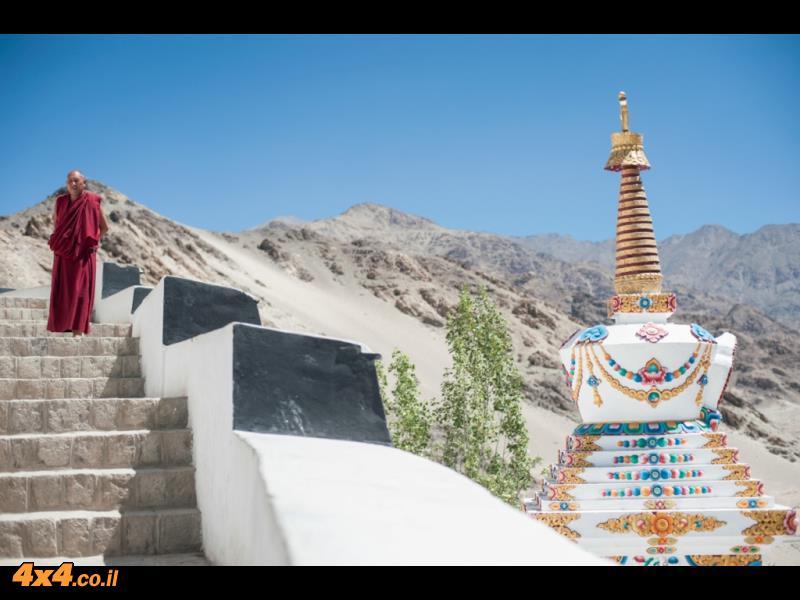 המקדשים סביב לה