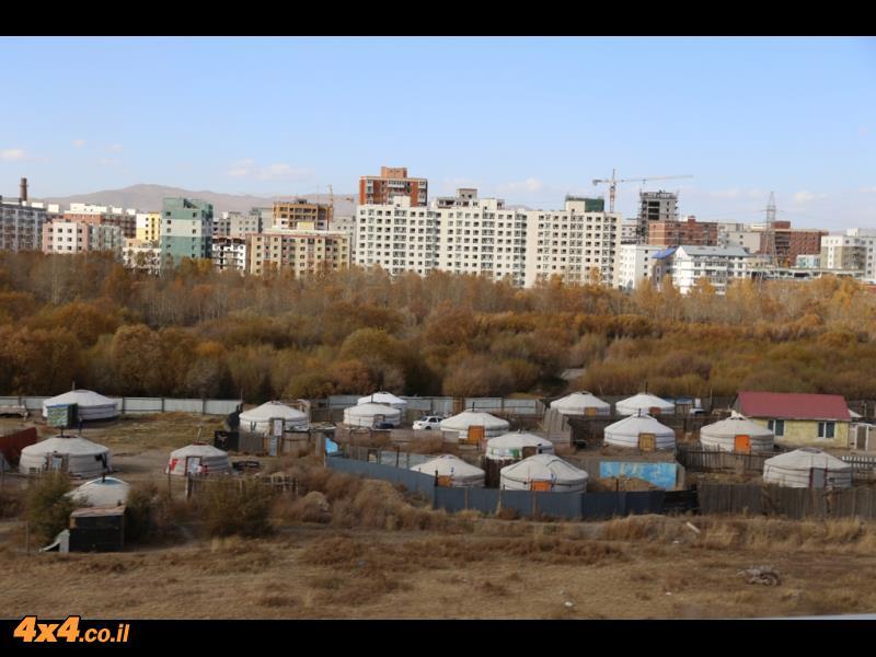 אולן באטר - החיים באוהל בצל תחנות הכוח לצד בנייה חדשה