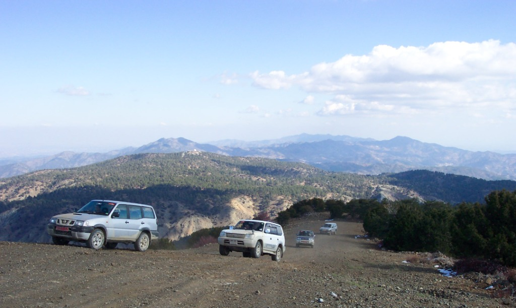 קפריסין - שתי מדינות באי אחד עם הרכבים מישראל